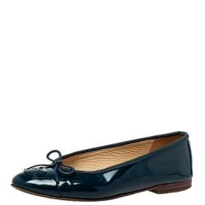 حذاء باليرينا فلات شانيل مزين فيونكة سي سي جلد لامع أزرق مقاس 37