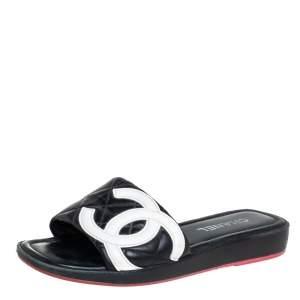 حذاء سلايد فلات شانيل جلد أبيض/أسود سي سي كامبون مقاس 41.5