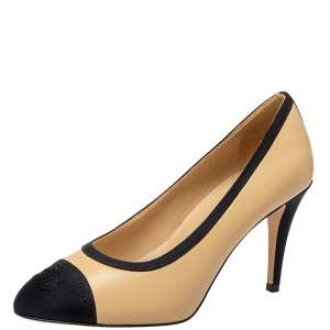 Chanel Beige/Black Leather And Canvas CC Pumps Size 37.5