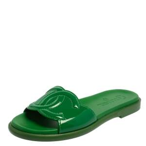 Chanel Green Patent Leather CC Slide Sandals Size 37.5