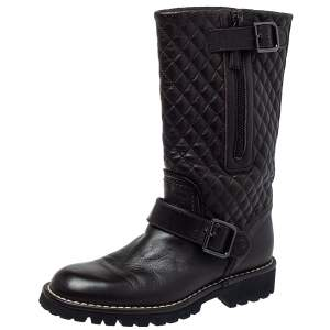 حذاء بوت شانيل لمنتصف الساق جلد بني داكن مقاس 35.5