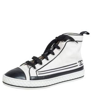 Chanel White Canvas And Leather CC Cap Toe Pearl Embellished High Top Sneakers Size 40