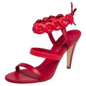 صندل شانيل  جلد أحمر بحزام كاحل مزين بحلية زهور الكاميليا مقاس 40.5