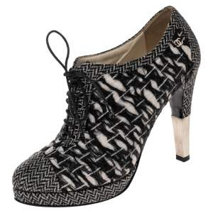 Chanel Black Tweed Cap Toe Lace Up Booties Size 40.5