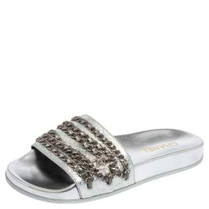 Chanel Metallic Silver Leather CC Chain Embellished Flat Slides Size 39