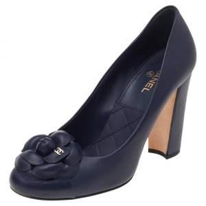 Chanel Navy Blue Leather CC Camellia Block Heel Pumps Size 38.5