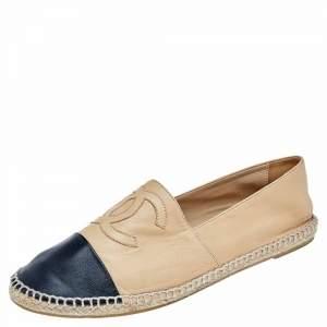 حذاء فلات شانيل CC إسبادريل جلد بيج / أسود بمقدمة مستديرة مقاس 42