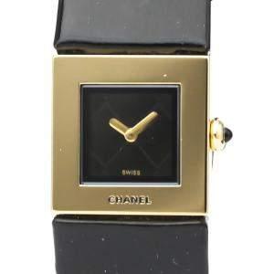 Chanel Black 18K Yellow Gold Matelassé H0111 Quartz Women's Wristwatch 19 MM
