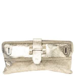 حقيبة كلوي جلد منقوش ميتالك ذهبية