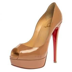 حذاء كعب عالى كريستيان لوبوتان نعل سميك ومقدمة مفتوحة نيو بريف جلد لامع بيج مقاس 36