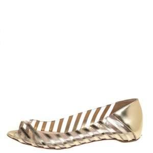 حذاء باليرينا فلات كريستيان لوبوتان مقدمة مفتوحة بلاستيك و جلد ذهبي مقاس 37.5