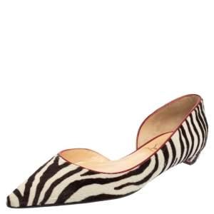 حذاء فلات كريستيان لوبوتان شعر عجل بطبعة حمار وحشي أسود / أبيض مقاس 39