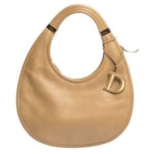 "حقيبة ديور ""ديوريتا هوبو"" جلد بيج"