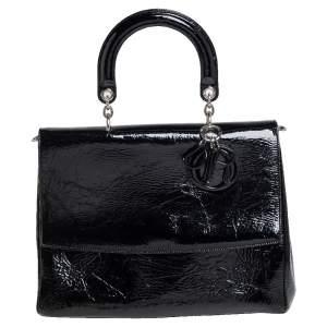 حقيبة ديور يد علوية قلاب بي ديور جلد لامع مجعد أسود