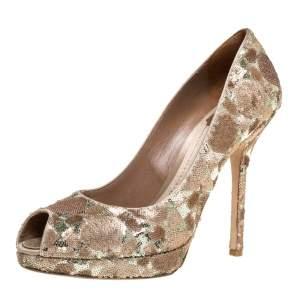حذاء كعب عالي كريستيان ديور جلد ذهبي/ برونزي مزخرف ساتان مقدمة مدببة نعل سميك مقاس 38.5