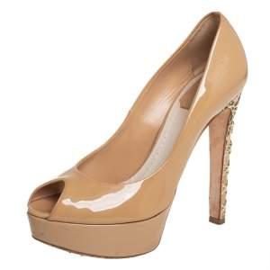 حذاء كعب عالى كريستيان لوبوتان نعل سميك مقدمة مفتوحة ميس ديور جلد بيج لامع مقاس 36.5