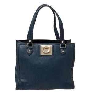 حقيبة دي كي إن واي جلد أزرق كحلي بسحاب