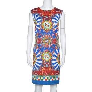 فستان دولتشي أند غابانا شيفت بلا أكمام مطبوع كاريتو متعدد الألوان مقاس كبير (لارج)