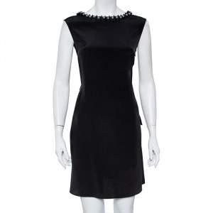 فستان أمبوريو أرماني قصير تفاصيل رقبة مزخرفة حرير أسود مقاس متوسط