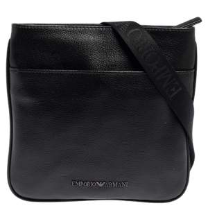 حقيبة إمبوريو أرماني ماسنجر رفيعة جلدية سوداء اللون