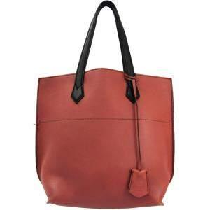 حقيبة يد فندي أول إن شوبينغ جلد سوداء/ وردية