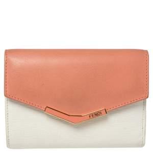 محفظة فندي 2جورمضغوطة جلد أبيض و برتقالي زهري