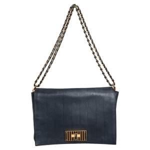 حقيبة كتف فندي كلاوديا بيكوين كبيرة جلد أسود طراز مخطط