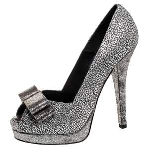 Fendi Silver Brocade Fabric and Textured Leather Deco Bow Peep Toe Platform Pumps Size 40