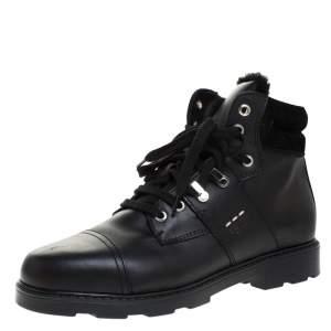 حذاء بوت كاحل فندي رباط علوي جلد أسود مقاس 39