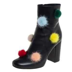 حذاء بوت كاحل فندي جلد أسود كرات بوم بوم مقاس 37