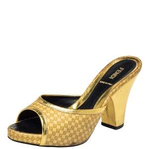 Fendi Beige/Gold Patent Leather and Leather Open Toe Sandals Size 36