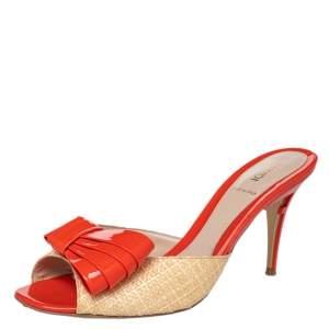 Fendi Beige/Orange Raffia And Patent Leather Bow Slide Sandals Size 39