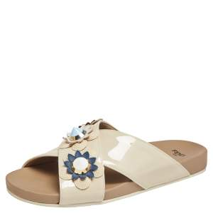Fendi Cream Patent Leather Flower And Stud-Embellished Slide Sandals Size 36.5