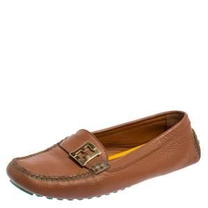 حذاء لوفرز فندي جلد بني مزين شعار الماركة أف أف سليب أون مقاس 40