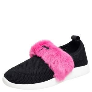 حذاء رياضي جوسيبي زانوتي قماش تريكو وفرو أسود / وردي بعنق منخفض مقاس 37.5