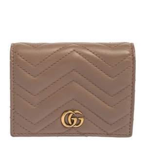 حافظة بطاقات غوتشي مارمونت GG جلد ماتيلاس وردي
