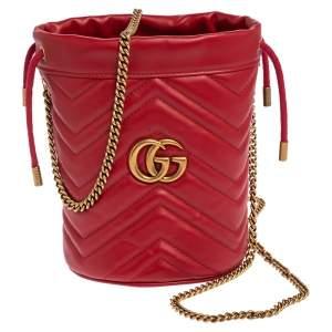 حقيبة غوتشي جي جي مارمونت باكيت جلد ماتيلاس أحمر صغيرة