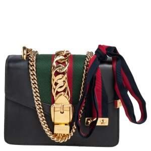 حقيبة كتف غوتشي سيلفي جلد أسود بنمط ويب صغيرة بسلسلة