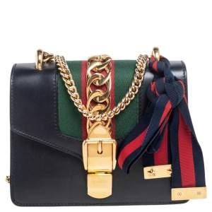 حقيبة كروس غوتشي سيلفي جلد أسود بنمط ويب صغيرة بسلسلة