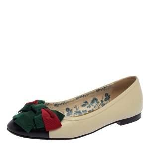 حذاء باليرينا فلات غوتشي جلد أبيض أوف وايت/أسود بفيونكة مقدمة منفصلة مقاس 37