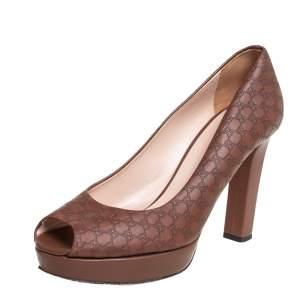 حذاء كعب عالى غوتشى نعل سميك مقدمة مفتوحة جلد مايكروغوتشيسما بنى مقاس 38.5