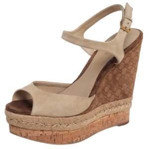 Gucci Beige Suede Hollie Wedge Sandals Size 37