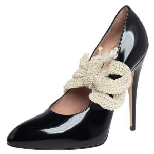 Gucci Black Leather Elaisa Removable Pearl Bow Pumps Size 37.5