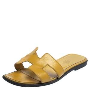 Hermés Yellow Patent Leather Oran Flat Sandals Size 36