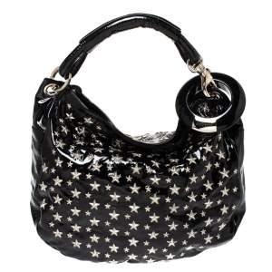 حقيبة هوبو جيمي تشو سكاي مرصعة نجوم جلد لامع أسود
