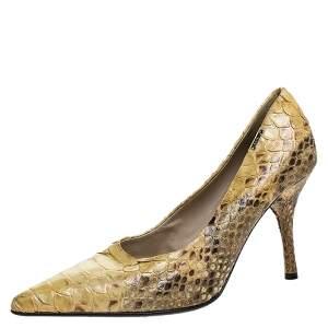 حذاء كعب عالي لوريبلو جلد ثعبان أصفر مقدمة مدببة مقاس 39
