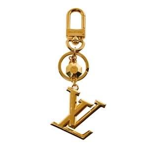 ميدالية مفاتيح وحلية حقيبة لون ذهبي فستز لوي فيتون