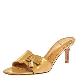 Louis Vuitton Beige Patent Leather LV Dice And Buckle Embellished Slide Sandals Size 39