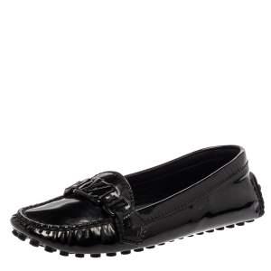 حذاء لوفرز لوي فيتون سليب أون شعار جلد لامع أسود مقاس 36.5