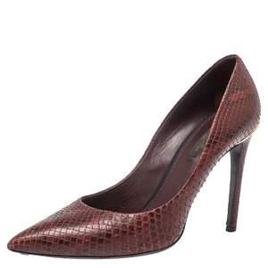 حذاء كعب عالي لوي فيتون سليب أون جلد ثعبان عنابي مقاس 37.5